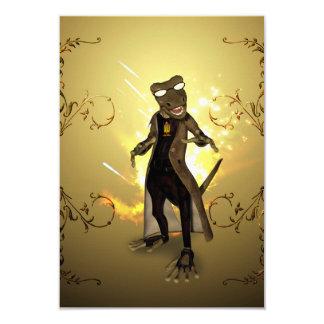 """Gecko con las gafas de sol y los elementos invitación 3.5"""" x 5"""""""