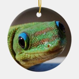 Gecko curioso ornamento de navidad