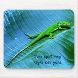 Gecko en la palma Mousepad del plátano Tapetes De Ratones