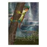 Gecko en una tarjeta de cumpleaños del árbol