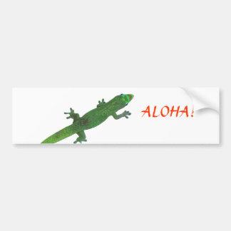 Gecko que mira a la pegatina para el parachoques d etiqueta de parachoque