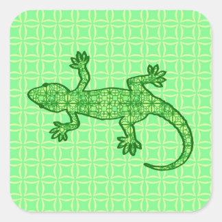 Gecko tribal del batik - cal y verde esmeralda pegatina cuadrada