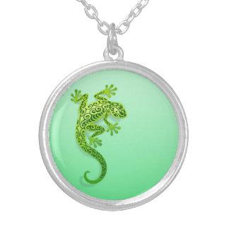 Gecko verde que sube pendiente personalizado