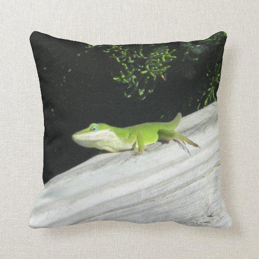 Gecko verde salvaje cojin