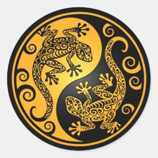 Geckos amarillos y negros de Yin Yang Pegatina Redonda