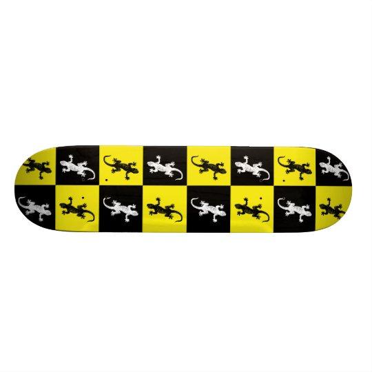 Geckos on Skateboard