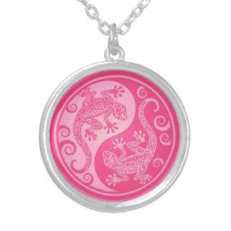 Geckos rosados de Yin Yang Collares Personalizados