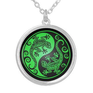 Geckos verdes y negros de Yin Yang Colgantes