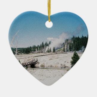 Géiser magnífico adorno de cerámica en forma de corazón