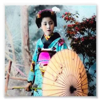 Geisha con un vintage de papel Japón del parasol Fotografía