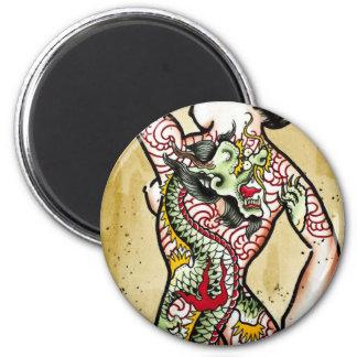 """""""Geisha del dragón """" Imán Redondo 5 Cm"""