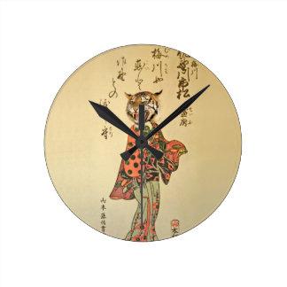 Geisha del tigre con el estampado de flores relojes de pared