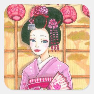 Geisha en pegatina rosado del cuadrado del kimono
