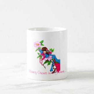 Geisha Thumbelina Classic White Coffee Mug