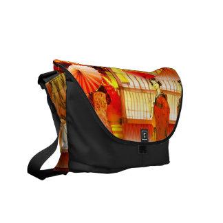 Geishas purse stroll courier bag