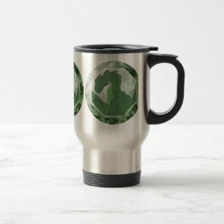Gema fresca del dragón verde y verde taza