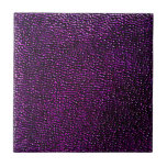 Gemas púrpuras pintadas tejas