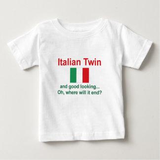 Gemelo italiano apuesto playeras