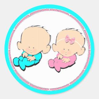 gemelos de la fiesta de bienvenida al bebé pegatina redonda