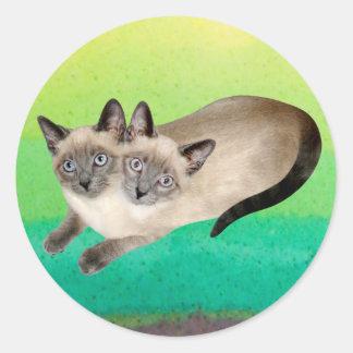 Gemelos del gato siamés pegatina redonda