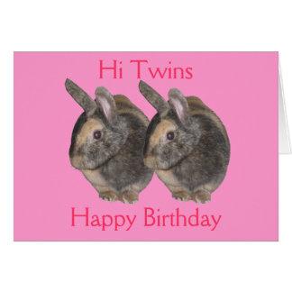 Gemelos, foto del conejo, tarjeta de cumpleaños