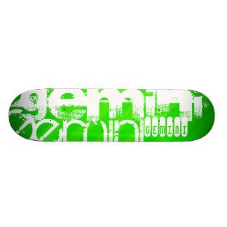 Géminis; Rayas verdes de neón Tabla De Patinar