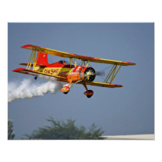 Gen Soucy que realiza acrobacias aéreas en Grumman Póster