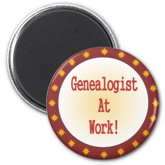 Genealogist en el trabajo imán redondo 5 cm