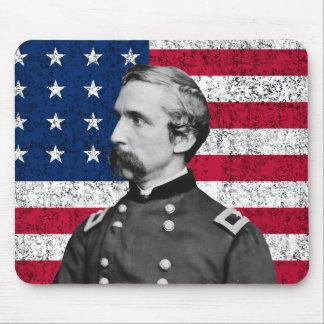 General Chamberlain y la bandera americana Mousepad