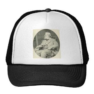 General confederado Roberto E Lee Sitting en sill Gorra