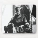 General Douglas MacArthur como hombre joven Tapete De Ratones