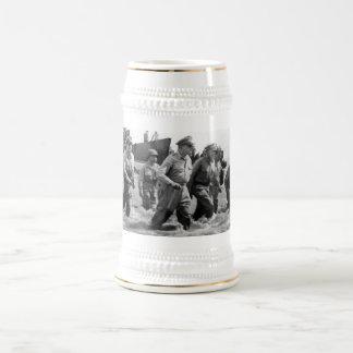 General Douglas MacArthur Returns 18 Oz Beer Stein