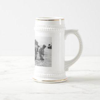 General Douglas MacArthur Returns Coffee Mug