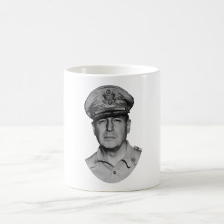 General Douglas MacArthur Taza Clásica