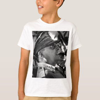 General Douglas MacArthur with Corncob Pipe T-Shirt