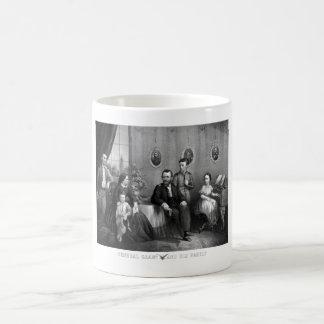 General Grant y su familia -- Guerra civil Taza Básica Blanca