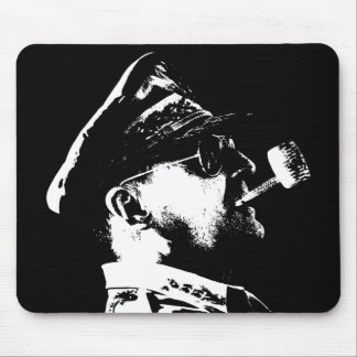 General MacArthur -- Black and White Mousepad