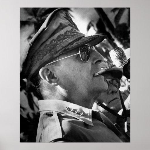 General MacArthur -- U.S. War Hero Poster