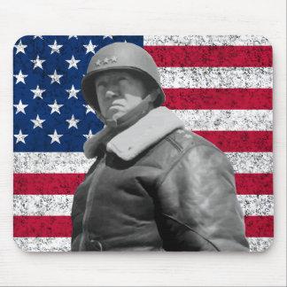 General Patton y la bandera americana Tapete De Ratones