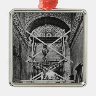 General view of the vestibule metal ornament