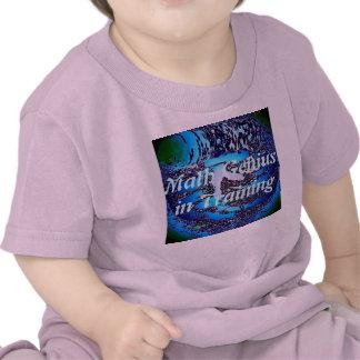 Genio de la matemáticas en la camiseta del entrena