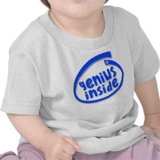 Genio dentro de la camiseta
