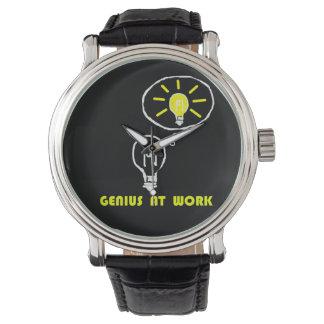 Genio en el trabajo relojes