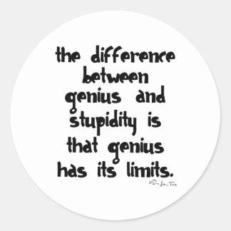 Genio y estupidez etiquetas