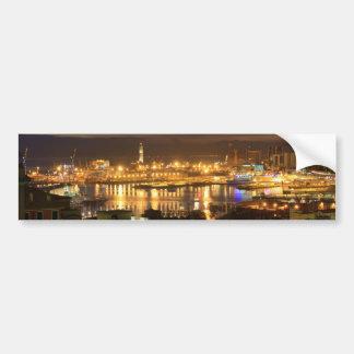 Génova y el puerto en la tarde etiqueta de parachoque