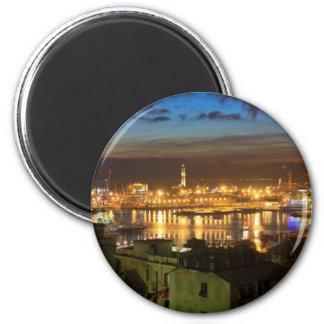 Génova y el puerto en la tarde imán redondo 5 cm