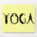 Gente de la yoga alfombrilla de ratón