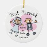 Gente del palillo apenas casada ornaments para arbol de navidad