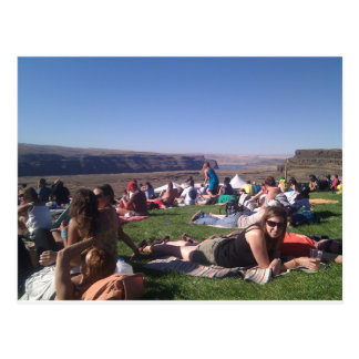 Gente en el parque tarjetas postales