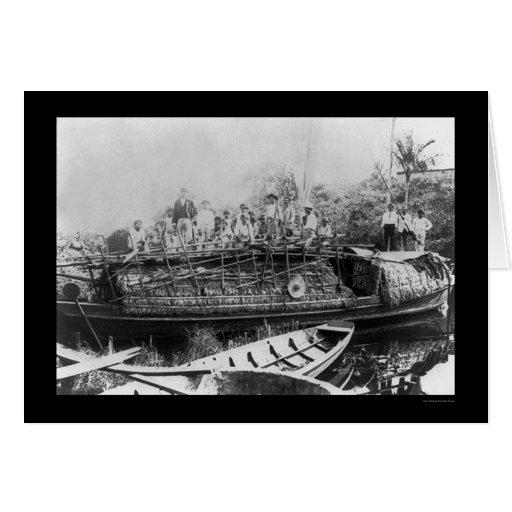 Gente en un barco de goma 1902 del río Amazonas Tarjeta De Felicitación